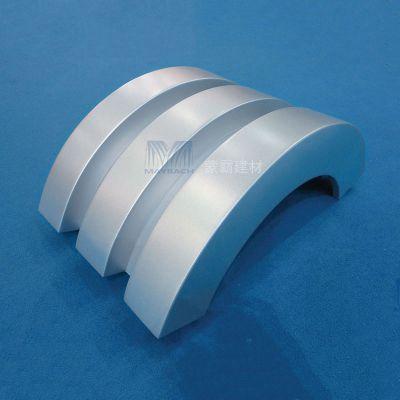 包柱铝单板4